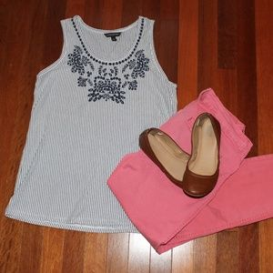 Banana Republic embroidered sleeveless top Size S